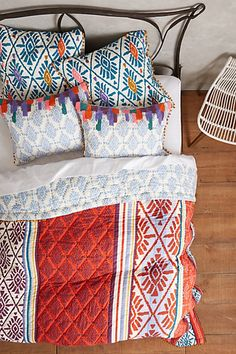 This quilt is pretty, but I especially love the shams!