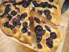 Grape Focaccia with Rosemary from Lottie & Doof (you'll have to seed those Concord grapes) Grape Recipes, Tasty, Yummy Food, Afternoon Snacks, Base Foods, Dairy Free Recipes, International Recipes, Crockpot Recipes, Food Porn