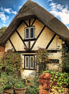 A tiny thatched cottage in the village of Nether Wallop in Hampshire, England Little Cottages, Cabins And Cottages, Little Houses, Stone Cottages, Fairytale Cottage, Storybook Cottage, English Country Cottages, English Countryside, Cute Cottage