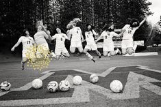 Seniors, team sports photos, teams,soccer, girls soccer team www.lisawilliamsphoto.com