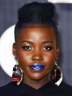 Lupita Nyong'o Wows in Blue Lipstick at Star Wars Premiere via @ByrdieBeautyUK
