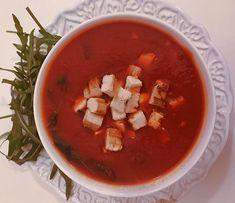 Chega em casa e vai pra cozinha. Sopa de tomate, manjericão, cubinhos de tofu e rúcula italiana fresca 🍅🍃. #plantbased #densidadenutritiva #crueltyfree #vegan #quemamacuida