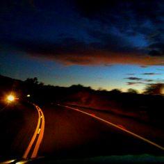 Disfrutando la tranquilidad de la carretera