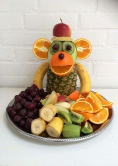 """Monkey Food"" - Kreamors Küche - Gesund - Mary's Secret World - Monkey Food, Monkey Monkey, Party Food Buffet, Fruit Buffet, Fruit Creations, Creative Food Art, Creative Ideas, Food Art For Kids, Food Kids"