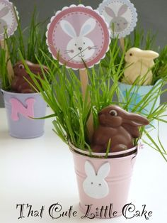 """I am getting the final Easter decorations ready and today I made those cute and easy place """"cards"""" for the children. I am sure the li. Easter Table, Easter Dinner, Easter Decor, Easter Ideas, Making Easter Eggs, Easter Religious, Food Themes, Food Ideas, Seating Cards"""