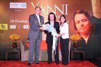 Yanni In Concert-10