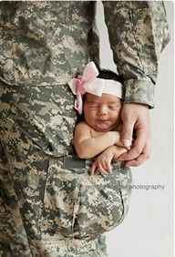 Makes me want to marry a soldier! How sweet :)