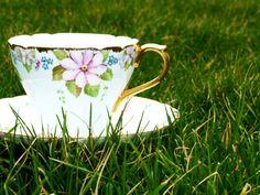 Alice In Wonderland Photography  #AliceInWonderland #teacup #saucer #teaset #vintage #photography