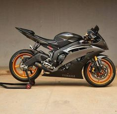 motorcycles-and-more: Yamaha R6 - ∥ ∥