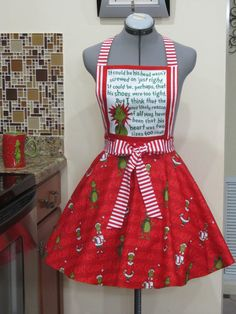 The Grinch Inspired Apron  That his heart was by AquamarCouture