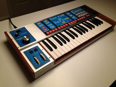 Moog source Vintage Synth, Vintage Records, Vintage Keys, Music Machine, Drum Machine, Moog Synthesizer, Recording Equipment, Keyboard Piano, Easy Guitar
