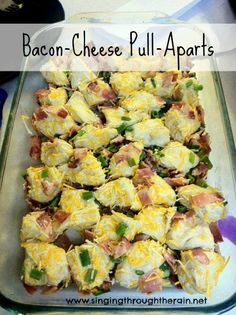 Bacon-Cheese Pull-Aparts - The perfect recipe for breakfast, lunch, or dinner! #breakfast #recipe #casserole