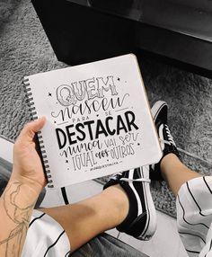 Quero quotar esse filme inteirinho sim. #oextraordinário #marquestalita Lettering Tutorial, Motivational Phrases, Inspirational Quotes, Decorate Notebook, Letter E, Hand Type, Typography Quotes, Brush Lettering, Words Quotes