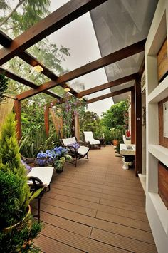 Eine Kleine Überdachte Terrasse Ideen 4 Even though historical around thought, a pergola has become Backyard Patio, Backyard Landscaping, Patio Roof, Pergola Patio, Modern Pergola, Cheap Pergola, Landscaping Ideas, Sunken Patio, Paving Ideas