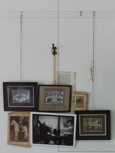 I love this method of hanging frames/pictures. Hanging Frames, Hanging Pictures, Hanging Art, Wall Pictures, Inspiration Wall, Interior Inspiration, 2 Kind, Interior And Exterior, Interior Design