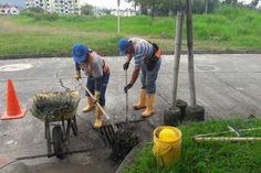 Serviciudad realiza limpieza de recamaras en alcantarillado