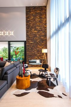 Casa em Joinville | Metroquadrado Dream Home Design, House Design, Retro Furniture, Elegant Homes, Textured Walls, Luxury Living, Interiores Design, Interior Architecture, Living Room Designs