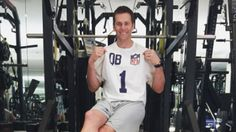 Tom Brady diet: How the New England Patriots star prepared for the Super Bowl 2019 Tom Brady Vegan, Brady Diet, Cardio, Body Coach, What Is The Secret, Julian Edelman, Sports Stars, New England Patriots, Fitness Diet