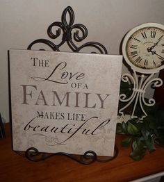 Cher's Signs by Design: Tile- The Love of a Family makes life Beautiful Creative Arts And Crafts, Crafts To Sell, Home Crafts, Vinyl Lettering Projects, Vinyl Projects, Circuit Projects, Ceramic Tile Crafts, Silhouette Projects, Silhouette Cameo