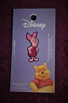 NEW: Disney/Winnie the Pooh/Piglet Pin Badge on Backing Card ~ Free P&P