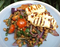 Lentil, cherry tomatoes and halloumi salad - CookTogether