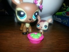 My new lps mama deer and baby deer! Little Pet Shop, Little Pets, Custom Lps, Palace Pets, Baby Deer, Cool Pets, Looks Cool, Birthday Presents, Piggy Bank