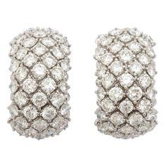 Superb Harry Winston Diamond Hoop Earrings