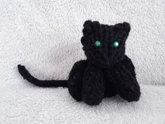2016/03/02 The Loom Muse : How to Loom Knit a Mini Cat