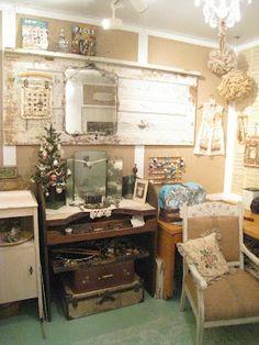 Vintiquities Workshop love old door and old mirror
