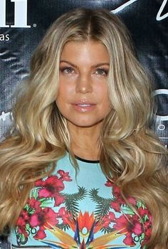 Fergie is gorgeous- love her hair