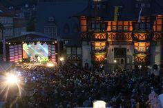 Besonders am Abend bot sich den tausenden Besuchern ein tolles Bühnenprogramm in der Innenstadt von Wernigerode.
