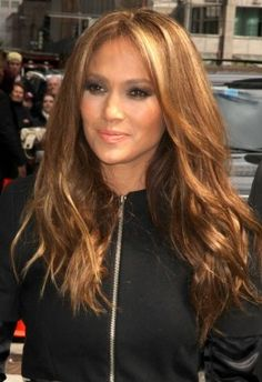 JLo with Dark Golden Blonde Hair - think I am gonna darken up my blonde a bit tomorrow. I really love this color.