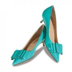The Starfish This pop of turquoise will give any outfit a chic update. We love these pointed-toe pumps which feature a sophisticated bow detail. Our big feet will love the small kitten heel. Kitten Heel Wedding Shoes, Wedding Shoes Heels, Kitten Heels, Low Heels, Pumps Heels, Flats, Tiffany Blue Shoes, Butter Shoes, Shoes Too Big