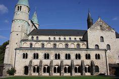 A - Romanische Stiftskirche St. Cyriakus Gernrode - Südseite zum Klosterhof - 961, Chor 1130
