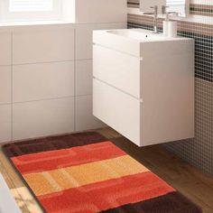 Wyjątkowa kolekcja dywaników łazienkowych Monti oczaruje domowników oraz gości swoim niepowtarzalnym wzornictwem oraz modną kolorystyką. Komplet ten nie będzie tylko piękną dekoracją – jest również niezwykle praktyczny. Jego spód został pokryty antypoślizgową powłoką. #dywaniki #dywan #dywany #dywanikidołazienki #dywanikiłazienkowe #doprania #dopralki #dywanikidopralki #dywanikidoprania #komplet #kompletłazienkowy #kompletdołazienki #łazienka #wnętrze #dywanik #dywandoprania #wc #brązowy Home Carpet, Filing Cabinet, Shag Rug, Bath Mat, Rugs, Storage, Furniture, Home Decor, Products