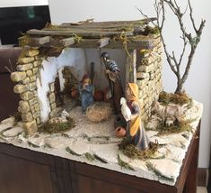 Christmas Nativity, Small World, Diorama, Embroidery Stitches, Cribs, Sculpting, Painting, Daycares, Diy Dog