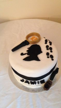 Sherlock Cake, Sherlock Holmes, 15th Birthday, Escape Room, Cake Ideas, Board Games, Fondant, Cakes, Baking