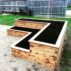 Truly Cool DIY Garden Bed and Planter Ideas - Planters - Ideas of Planters - 36 Truly Truly Cool DIY Garden Bed and Planter Ideas - Planters - Ideas of Planters - 36 Truly Cool 28 DIY Raised Garden Bed Plans & Ideas You Can Build in a Day Raised Garden Bed Plans, Building Raised Garden Beds, Raised Beds, Raised Garden Bed Design, Raised Patio, Huerta En Casa Ideas, Tiered Planter, Tiered Garden, Diy Garden Bed