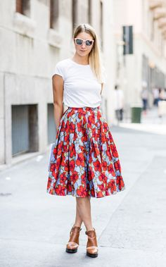 red poppy floral print skirt & white tee