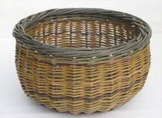 Joe's baskets are all made to order. If you are interested in ordering please contact Joe for availability. Willow Weaving, Basket Weaving, Traditional Baskets, Square Baskets, Irish Traditions, Size 2, Ireland, Archive, Artisan