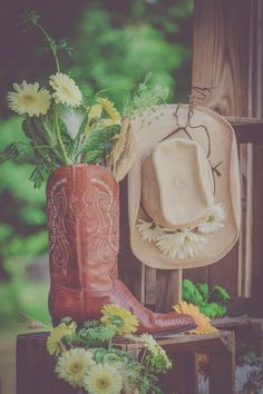 Cowboy boots + daisies   Rustic Wedding Inspiration   Rachel Anne's Photography
