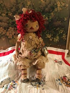 What a wonderful doll for your collection. Rag Dolls, Fabric Dolls, Primitive Doll Patterns, Primitive Crafts, Ann Doll, Christmas Swags, Raggedy Ann And Andy, Halloween Doll, Easter Bunny