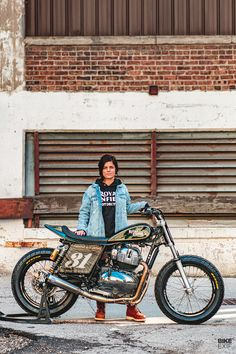 An up-and-coming rider builds a stunning Interceptor race bike—one of the first fruits of Royal Enfield's 'Build. Flat Track Motorcycle, Motorcycle Shop, Racing Motorcycles, Street Tracker, Bike Focus, Cute Pokemon Wallpaper, Flat Tracker, Yamaha R6, Saints