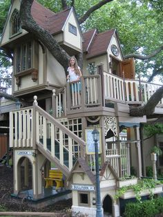 The playhouse is great ideals for kids. You are find playhouse picture in page. Backyard Fort, Backyard Playground, Backyard For Kids, Cubby Houses, Play Houses, Awesome Bedrooms, Cool Rooms, Kids House, My House