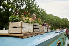 Beautiful narrowboat central london - Boats for Rent in London, Greater London, United Kingdom Narrowboat Interiors, Narrowboat Kitchen, Dutch Barge, Rent In London, Lakefront Property, Boat Lift, Floating House, Greater London, Rustic Design