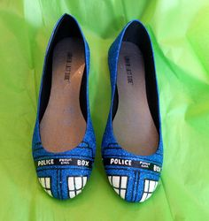 TARDIS Shoes made  with lots of glitter! - Imgur