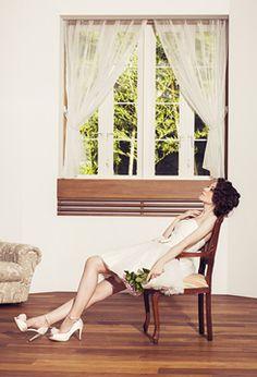 WEDDING DRESS まるでバレリーナのようなチュチュドレス クリスタルビーズが施されたシルクチュールスカートが華やか ロマンティックな着こなしを楽しむのもおすすめ。