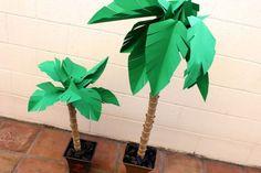 Papír palmy vytvářejí dokonalý letní výzdobu.