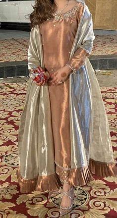Pakistani Fashion Party Wear, Pakistani Wedding Outfits, Pakistani Bridal Dresses, Pakistani Dress Design, Bridal Outfits, Wedding Dresses, Stylish Dresses For Girls, Stylish Dress Designs, Designs For Dresses