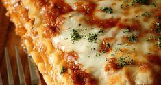 Lasagna cu sos bechamel | Maggi.ro Bechamel, Bologna, Mashed Potatoes, Ethnic Recipes, Food, Home, Diet, Pie, Lasagna